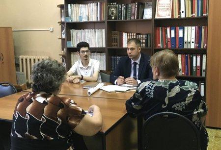 Член Молодёжного парламента уже регулярно принимает участие в приёме жителей